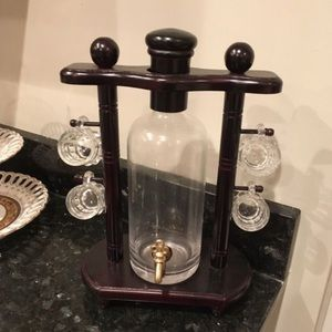 Vintage Mahogany Wine dispenser set. Decanter Set